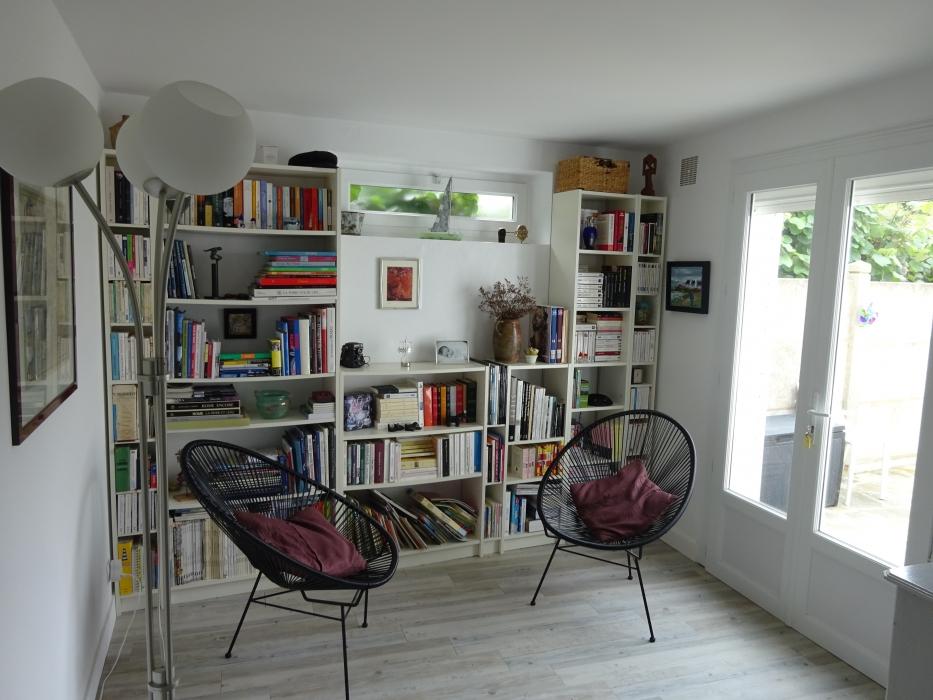 coin lecture maison amenager une maison en longueur coin lecture comment amenager une maison. Black Bedroom Furniture Sets. Home Design Ideas
