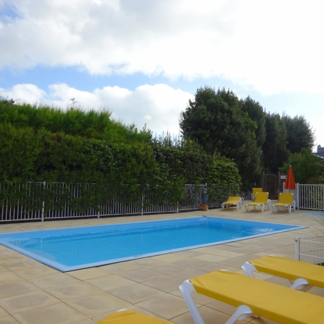 Vente appartement studio centre ville quiberon for Piscine quiberon